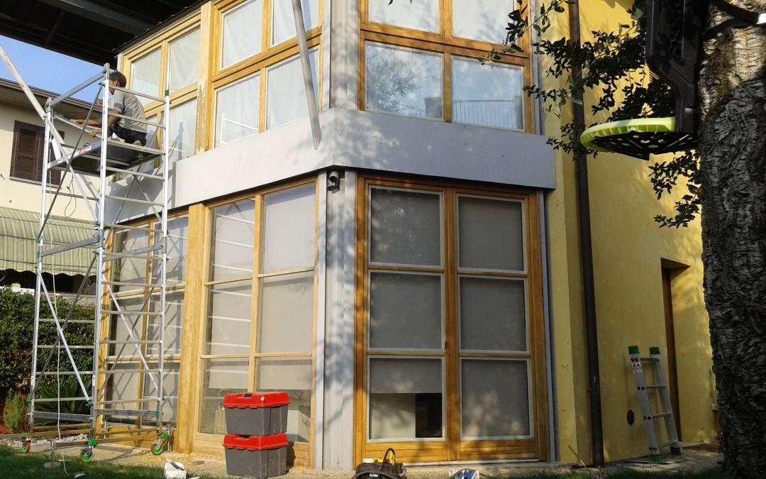sgrezzatura vetrata in legno
